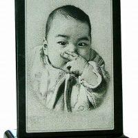 赤ちゃん誕生祝い彫刻